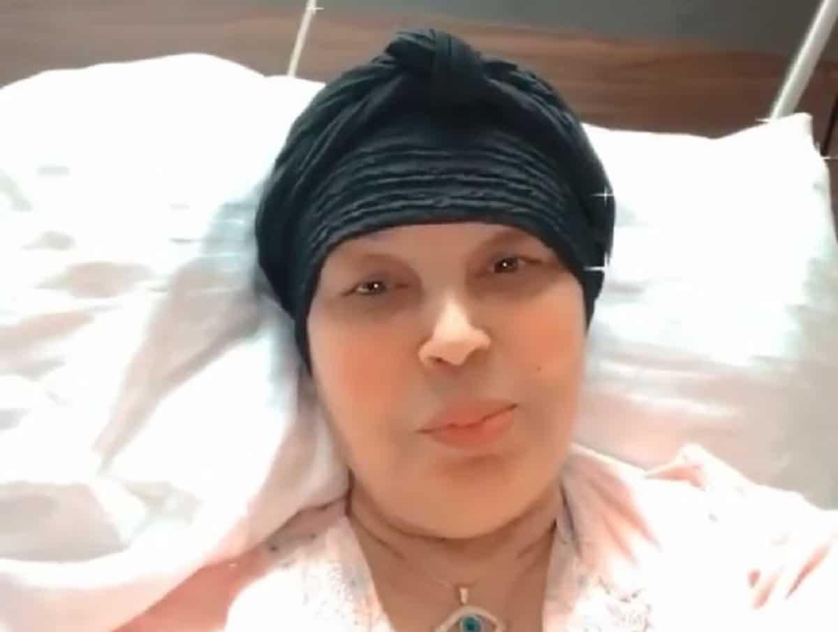فيفي عبده في أول ظهور بعد العملية الجراحية