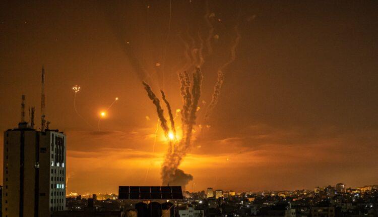 مجتهد يكشف تعهد السعودية والإمارات بدعم مالي غير محدود لعباس لإنقاذ إسرائيل
