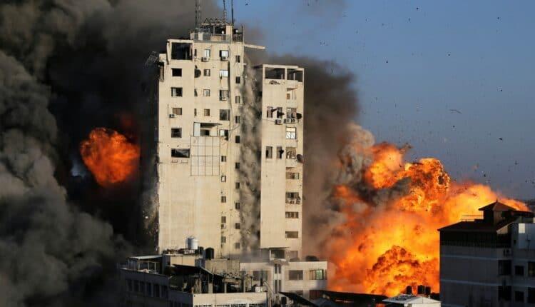 إسرائيل تقصف برج الشروق