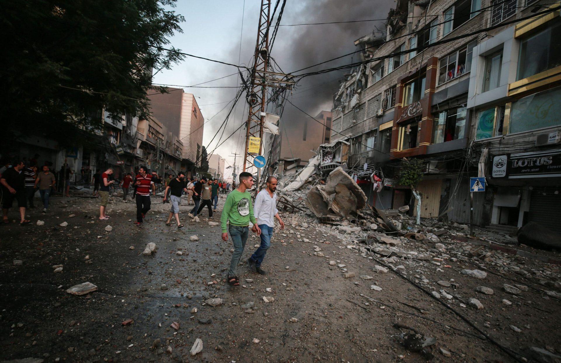 اتصالات ترد على سكان غزة لجمع معلومات شخصية عنهم باسم اللجنة القطرية (استمع)