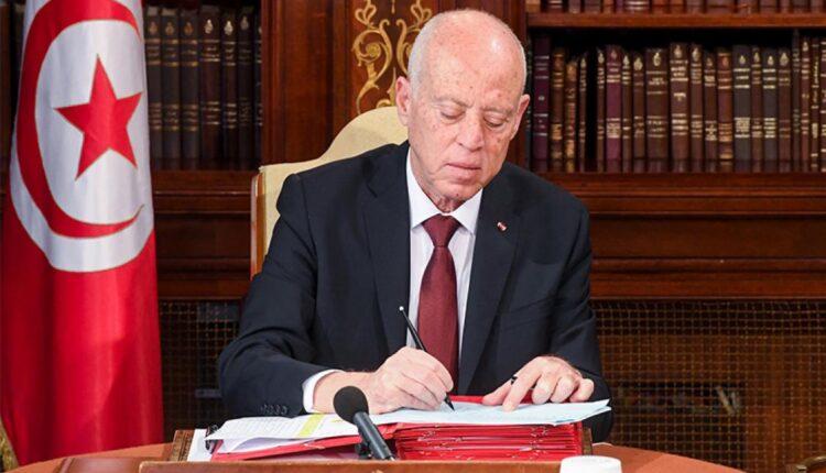 الرئيس التونسي قيس سعيد وانقلاب تونس