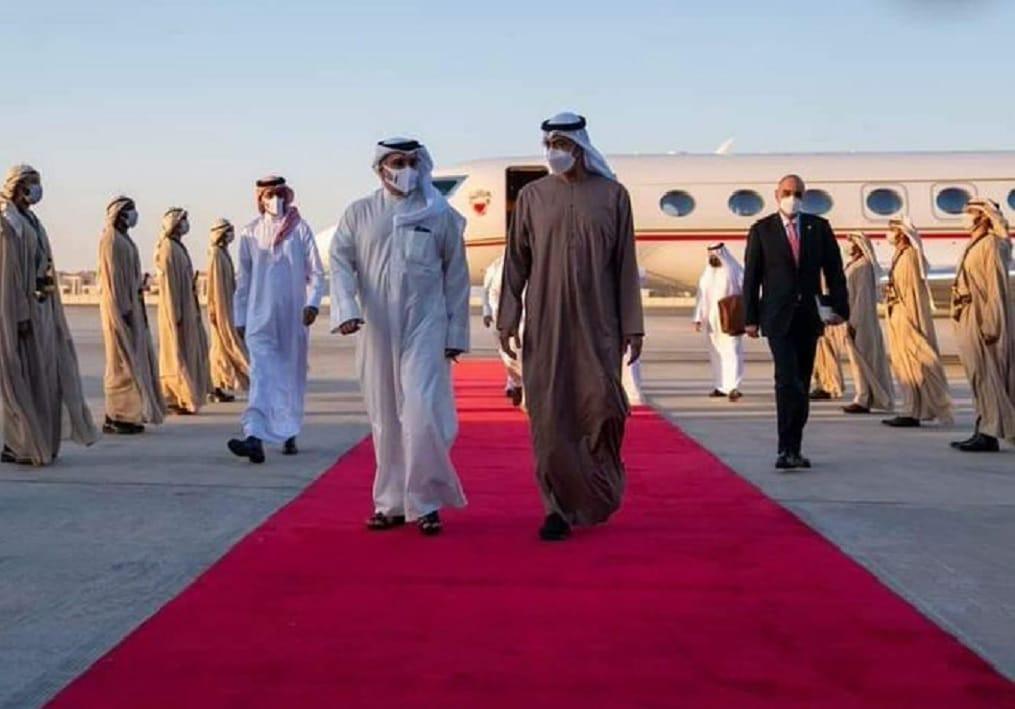 محمد بن زايد يهين رئيس وزراء الأردن ويثير موجة غضب واسعة بتصرفه (شاهد)
