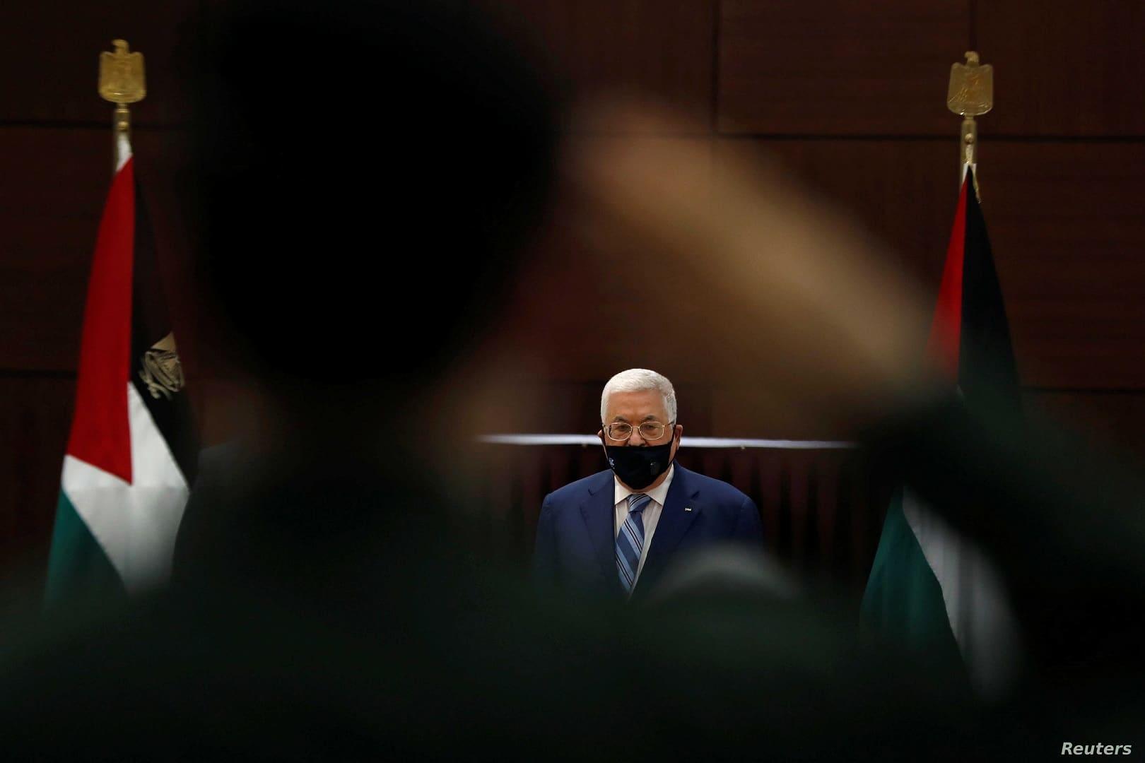 تقرير: محمود عباس الشخص الأكثر عزلة في الشرق الأوسط ولا يتحدث مع الزعماء العرب