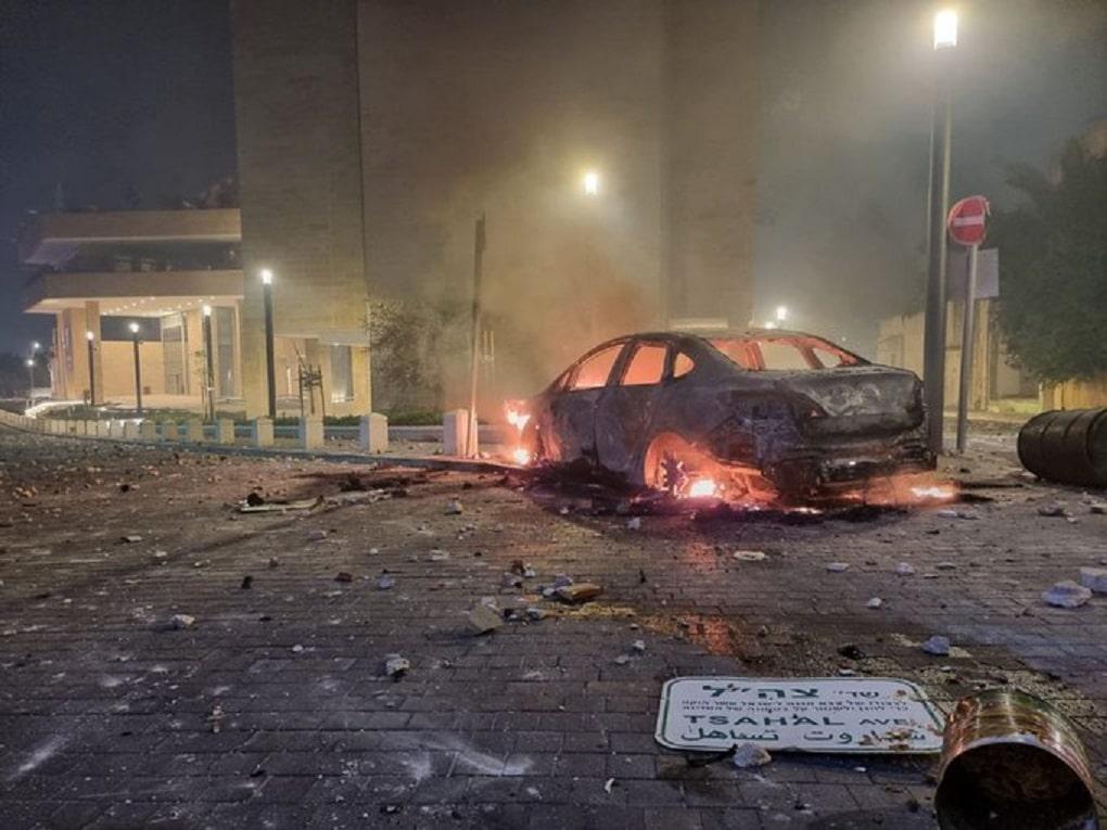 مدينة اللد المحتلة تشتعل عقب استشهاد فلسطيني