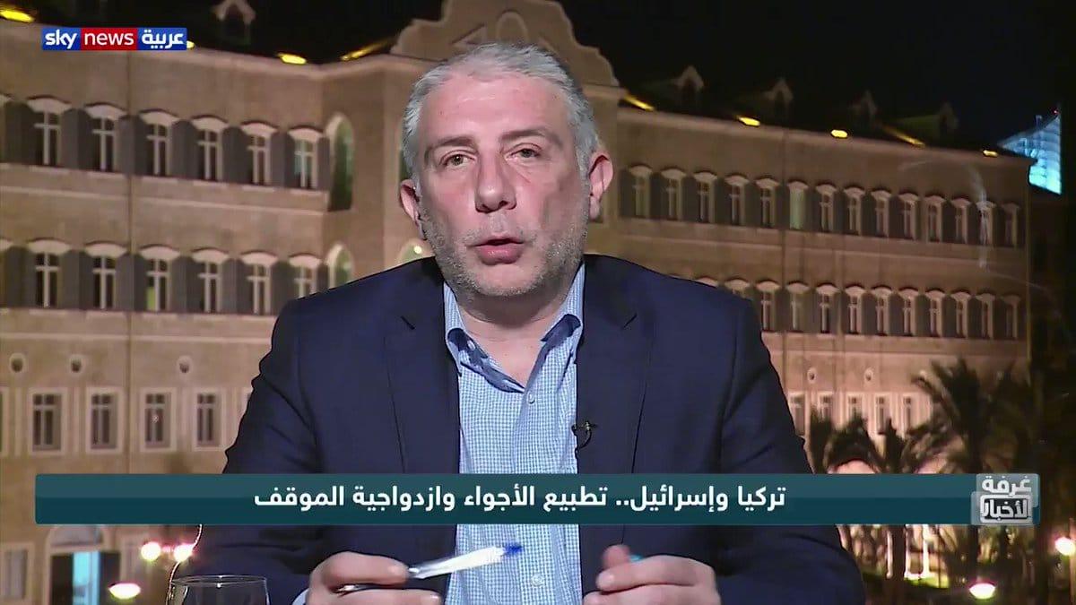 المحلل اللبناني نضال السبع أخبرته (العصفورة) أن بيرقدار التركية تشارك في قصف غزة