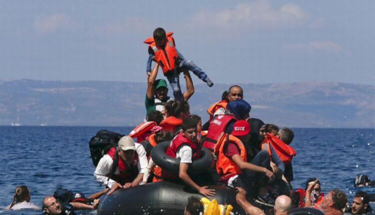 العثور على رضع واطفال جرفتهم الامواج إلى شواطئ ليبيا