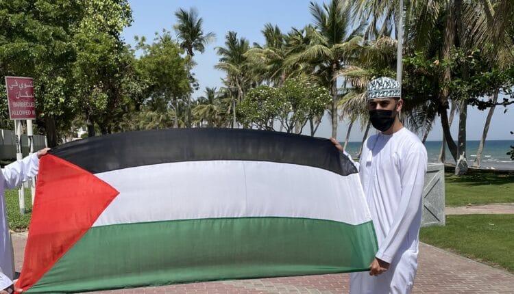 العمانيون يطلبون من أبو عبيدة قصف تل أبيب
