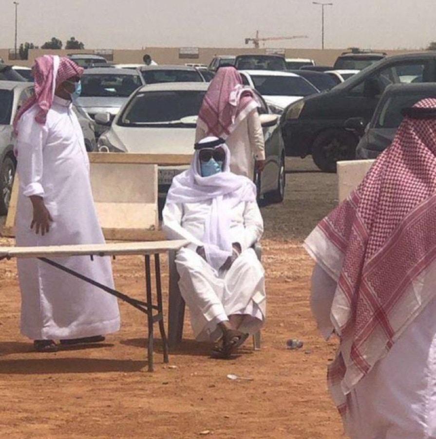 وليد الفراج في دفن عادل التويجري