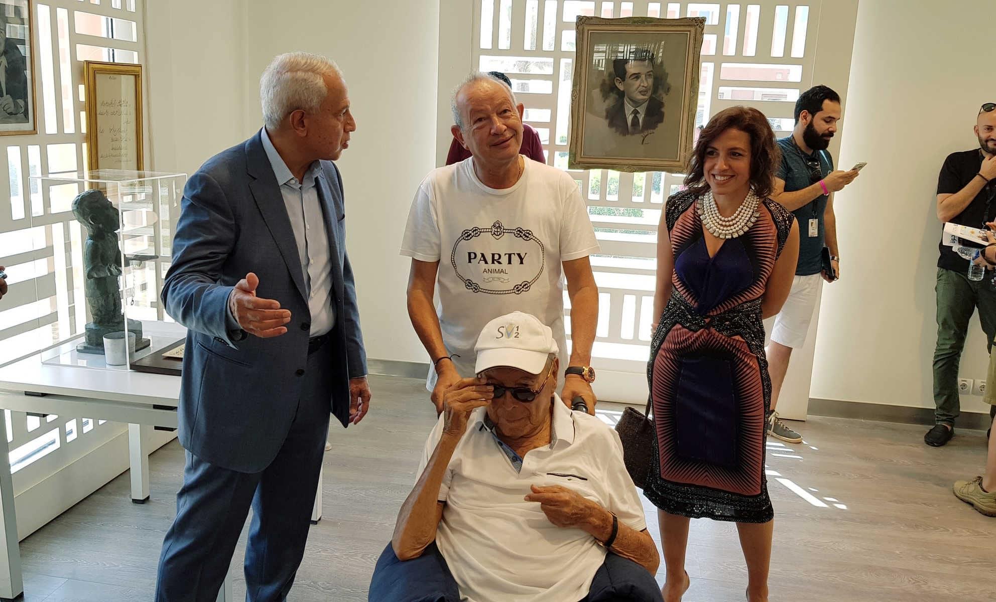 أنسي ساويرس يتصدر محركات البحث بعد وفاته.. مؤسس أغنى عائلة في مصر وهذه ثروته