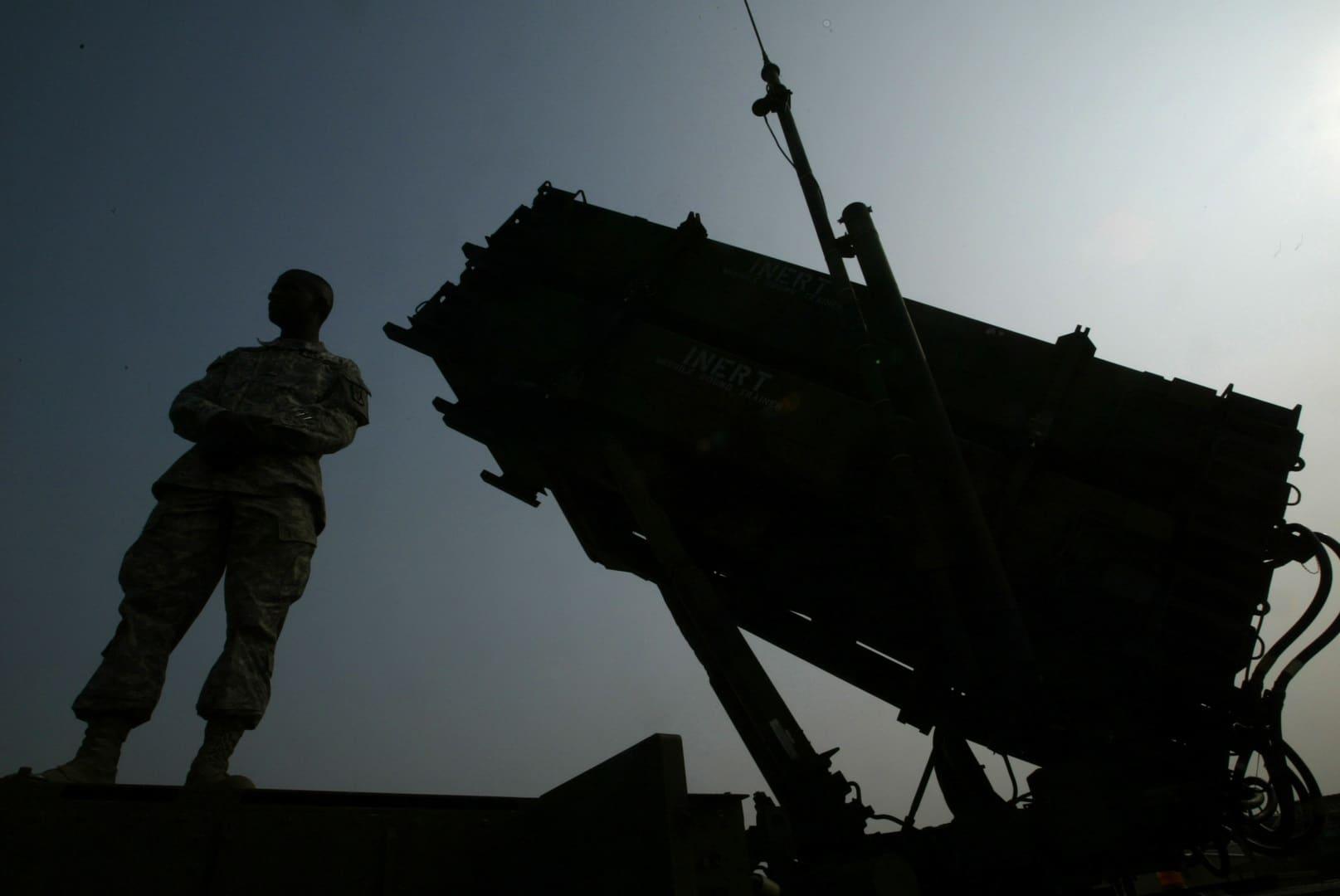 وول ستريت جورنال: أمريكا سحبت بطاريات صواريخ من السعودية ودول أخرى.. لماذا في هذا التوقيت