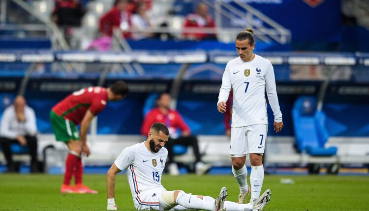 المهاجم الفرنسي بنزيما والإصابة في اللقاء الودي لمنتخب فرنسا وبلغاريا
