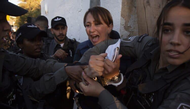اعتقال جيفارا البديري مراسلة قناة الجزيرة في القدس