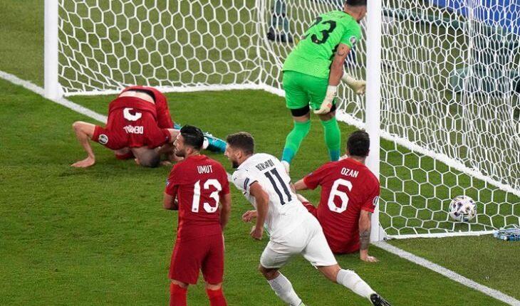 مباراة منتخب إيطاليا وتركيا والحدث الفريد من نوعه