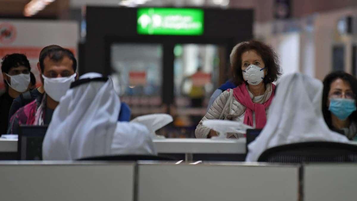الإمارات تلاحق الوافدين الباكستانيين