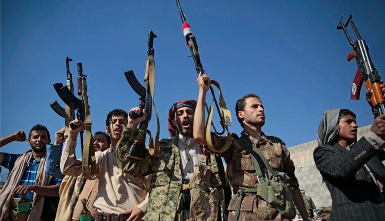 وفد سلطنة عمان يصطدم بانقسام الحوثيين في مباحثاته لوقف اطلاق النار