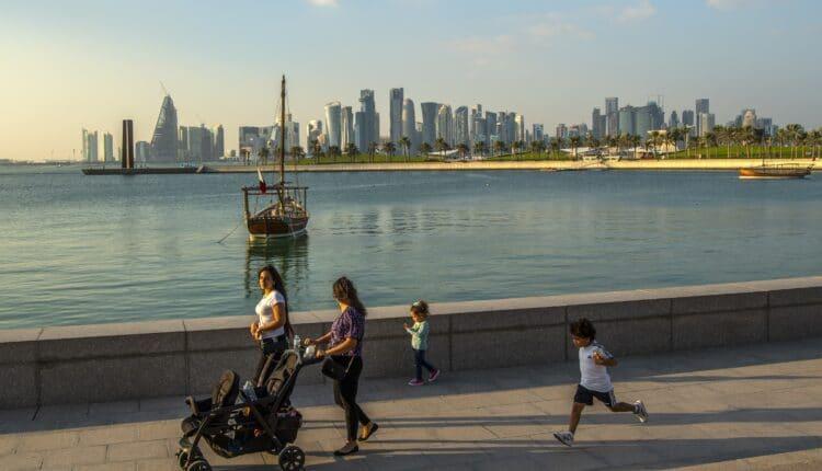 شيخة قطرية تشيد بالأمير تميم وحرية الرأي بقطر
