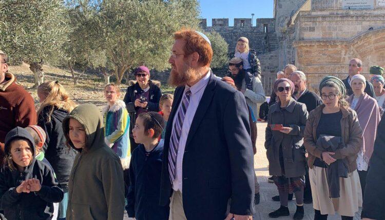 المتطرف يهودا غليك يقود المستوطنين لاقتحام المسجد الأقصى