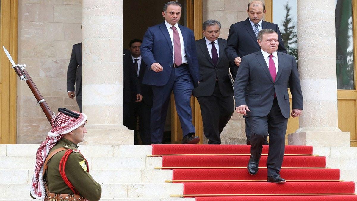 من هو سمير الرفاعي الذي حظي بتفويض غير مسبوق من ملك الأردن عبدالله الثاني