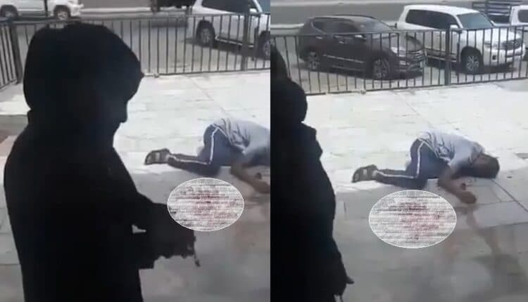 امرأة تطعن شاب امام صالون حلاقة في جدة