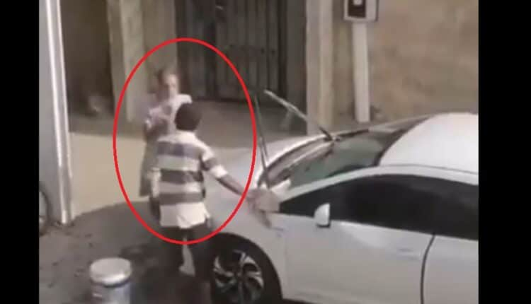 بحريني يعتدي بالضرب على وافد