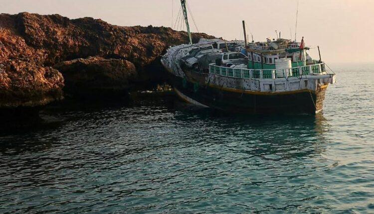 سلطنة عمان تمهل مالك سفينة تحمل علم الهند الجانحة قبالة شاطئ جزر الديمانيات اسبوعاً لانتشالها