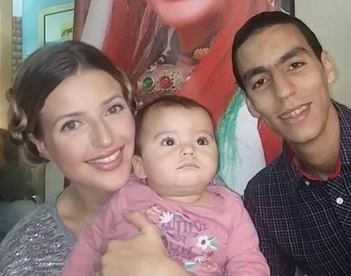 زوج المطربة الأمريكية جينيفر جراوت المغربي يستغيث: تركتني بسبب الفقر وهربت بابنتنا!