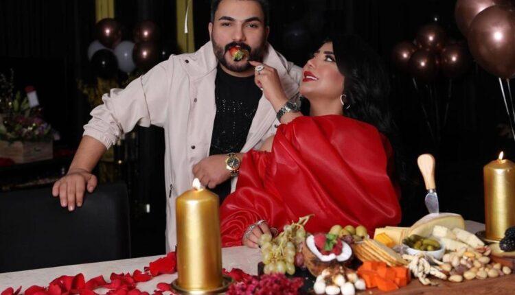 سارة الكندري وزوجها