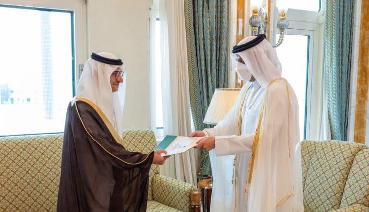 الأمير منصور بن خالد سفير السعودية يسلم أوراق اعتماده لوزير خارجية قطر
