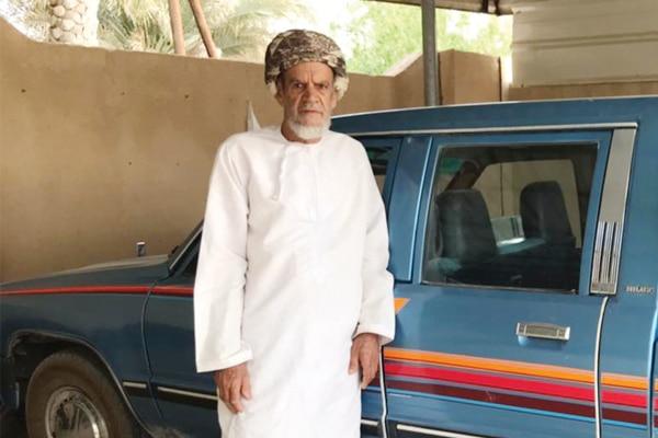 سلطان الغافري عُماني هو أكبر سائقي ولاية عبري في سلطنة عمان