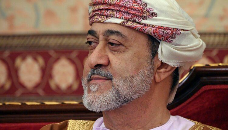 أنيس منصور يكتب في وطن: عُمان: قِبلة السلام في المنطقة