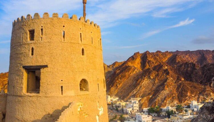 سلطنة عمان تجري محادثات مع بنوك لإصدار صكوك سيادية هذا العام