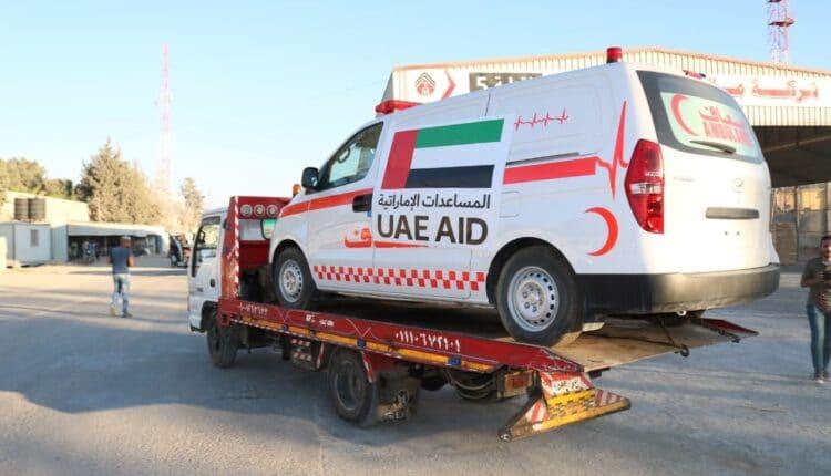 سيارات اسعاف إماراتية مقدمة لغزة- حماس