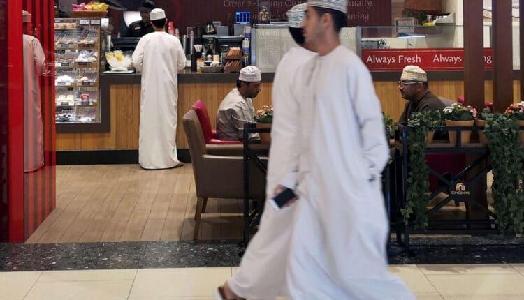 شركات التوظيف في سلطنة عمان تثير ضجة واسعة