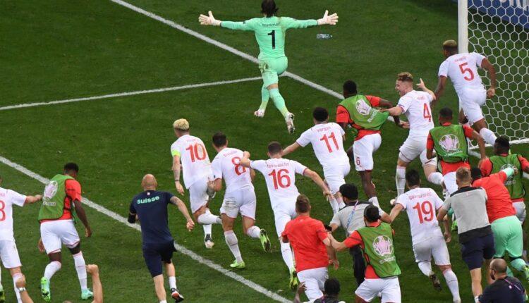 سويسرا تتأهل إلى الربع النهائي على حساب فرنسا في اليورو
