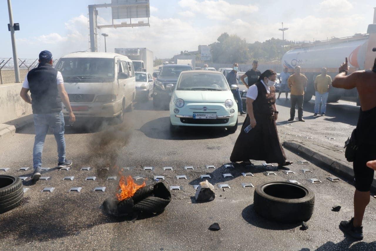احتجاجات في لبنان - سجلت الليرة اللبنانية أدنى مستوى لها على الإطلاق مقابل الدولار