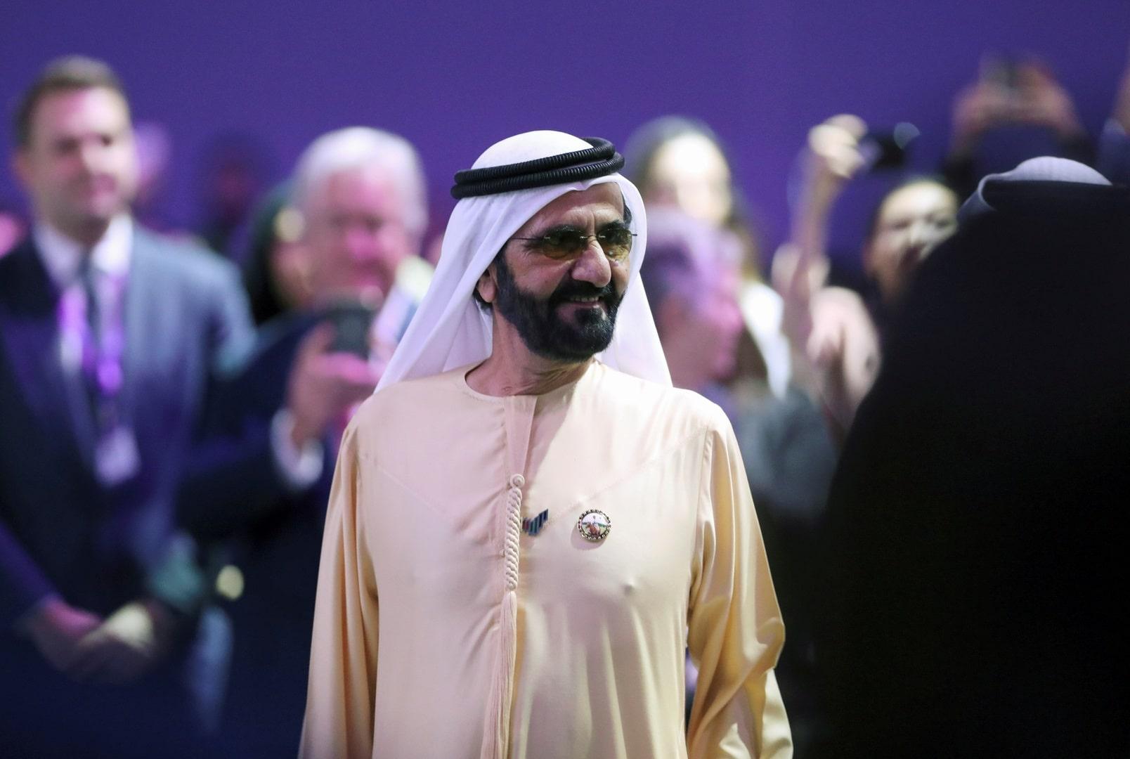 """إماراتيون يرفضون حملة """"الإمارات العالمية المتحدة"""" ويعتبرونها طمس للهوية الإماراتية"""