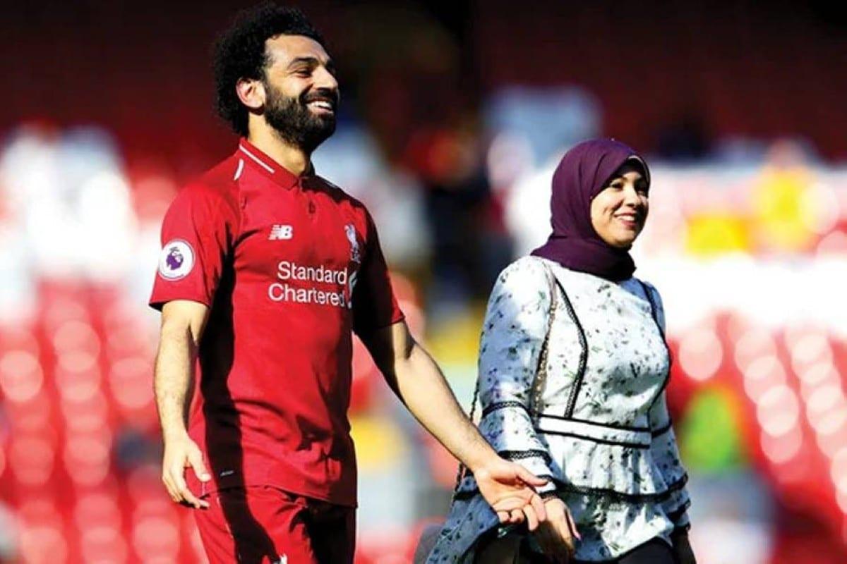 الجم المصري محمد صلاح وزوجته