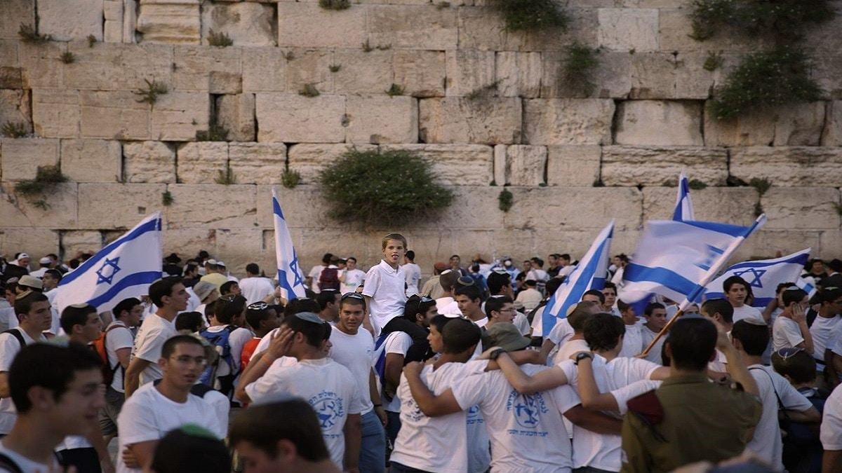 اليمين المتطرف يدعو إلى اقتحام جماعي كبير للمسجد الأقصى بعد إلغاء مسيرة الأعلام