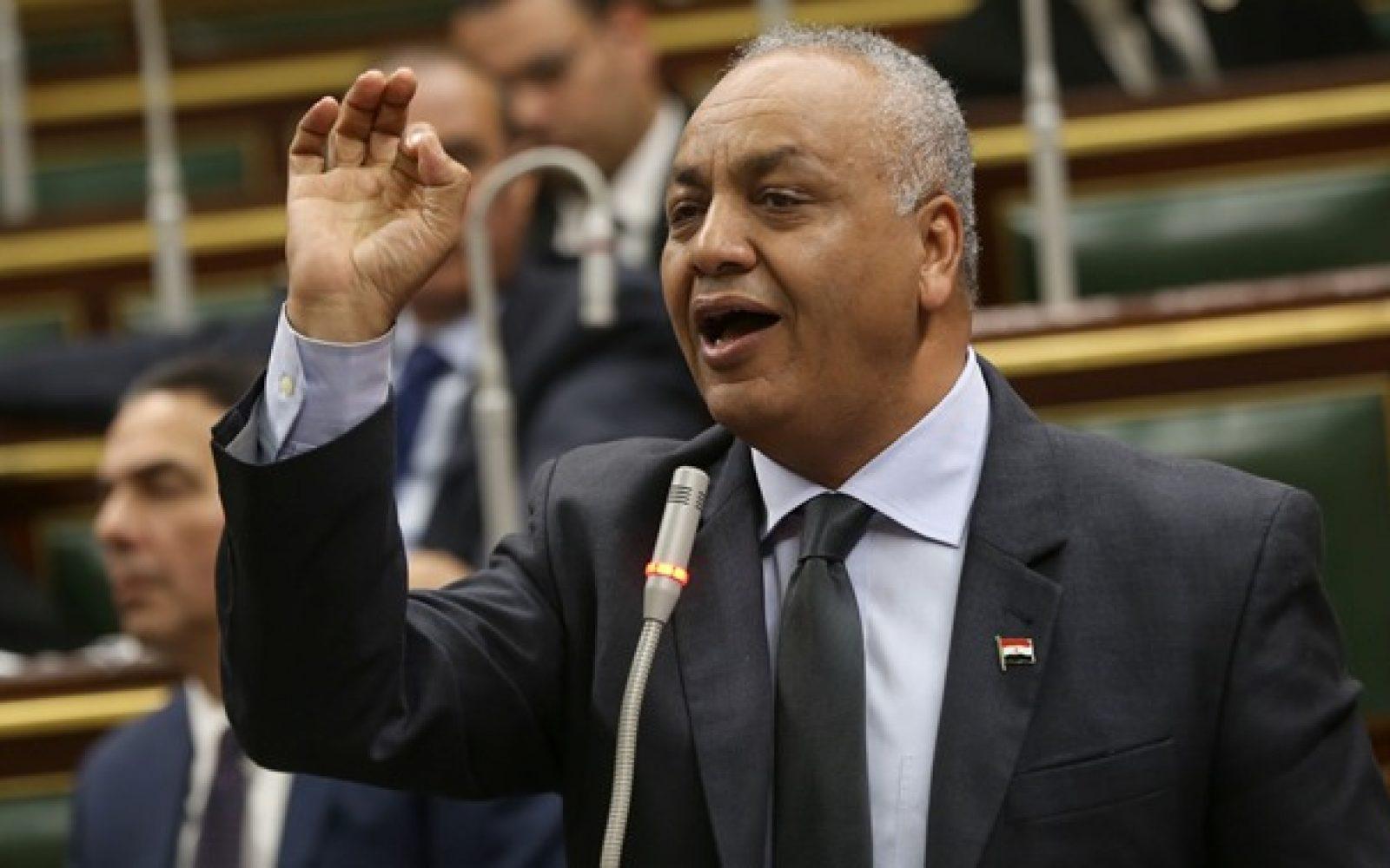 مصطفى البكري داخل البرلمان المصري