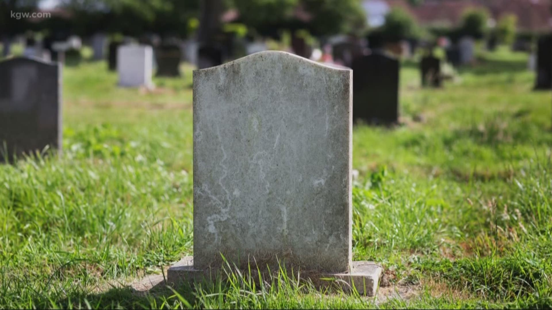 انتحار مراهقة تعرضت لاغتصاب جماعي في مقبرة في بلجيكا