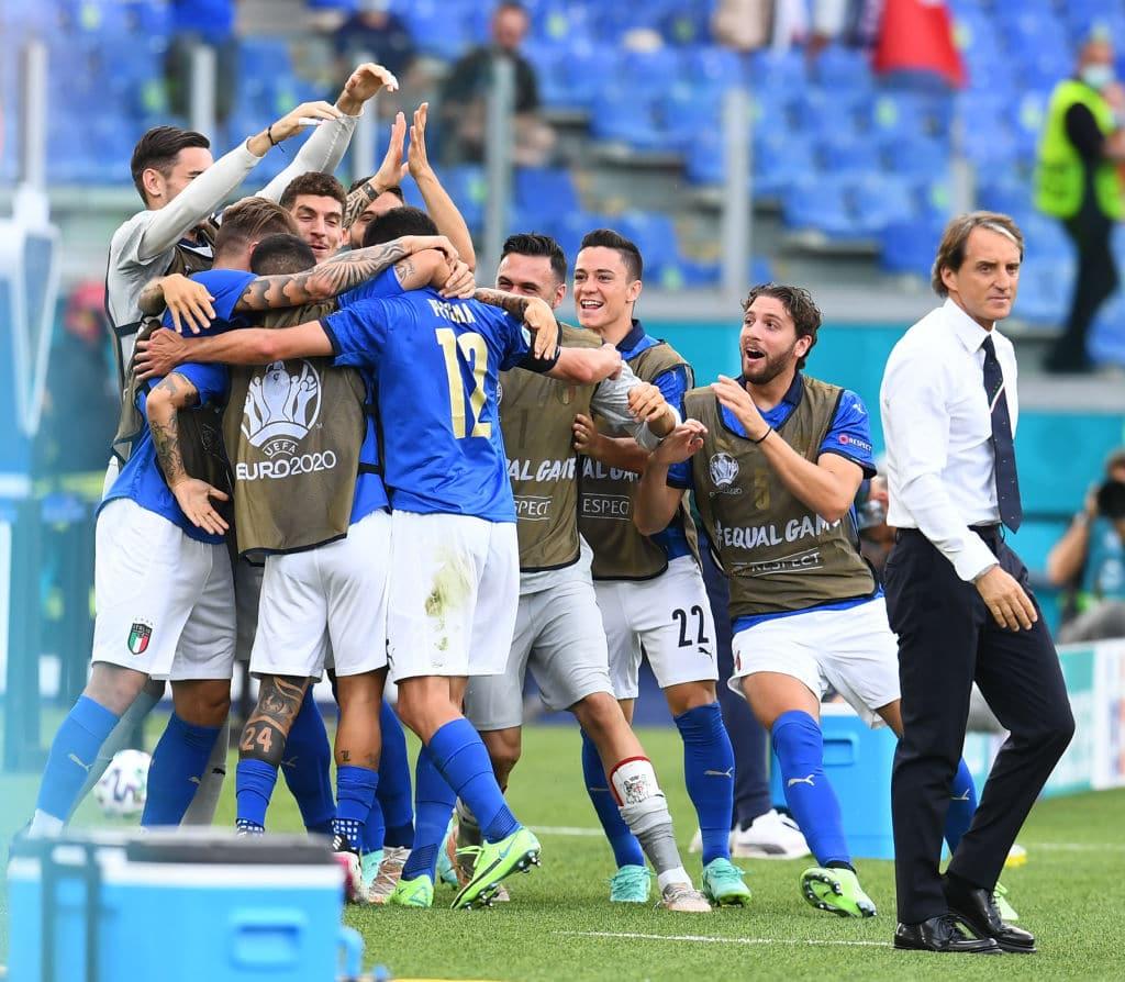 منتخب إيطاليا يدخل التاريخ من جديد بعد تحطيم الرقم القياسي في اليورو
