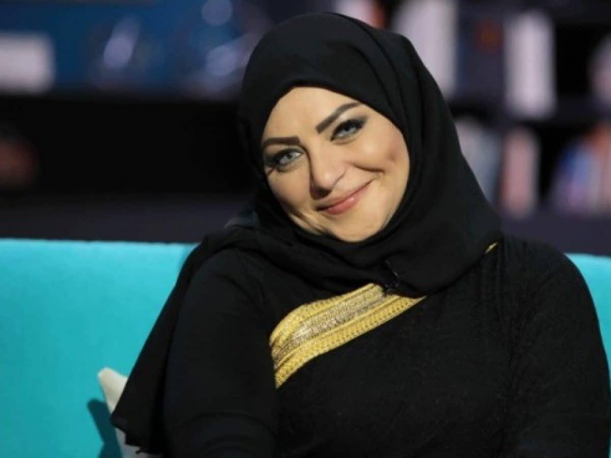 ميار الببلاوي تنشر صورا لها من داخل المستشفى وأصابع قدمها مهشمة