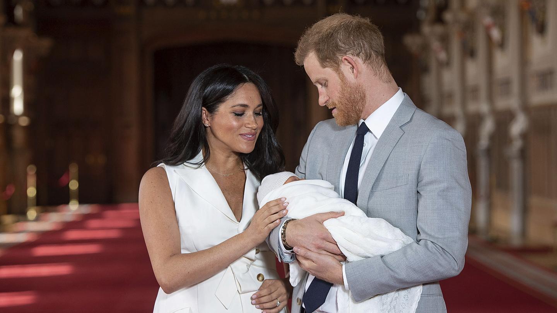 ميغان ماركل والأمير هاري يرزقان بمولودة أطلقا عليها اسماً غير متوقع!