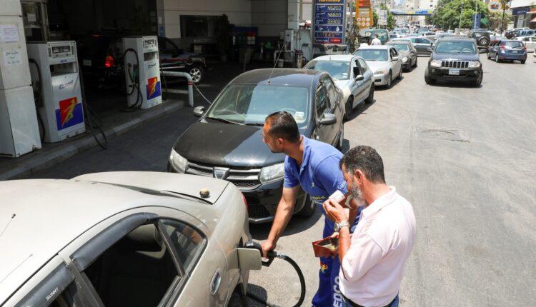 سفيرة كندا تشارك اللبنانيين أزمتهم