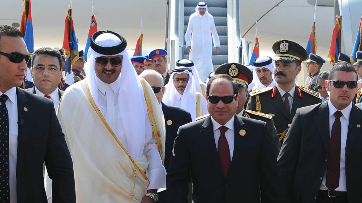 أمير قطر يعين سفيرا فوق العادة في مصر