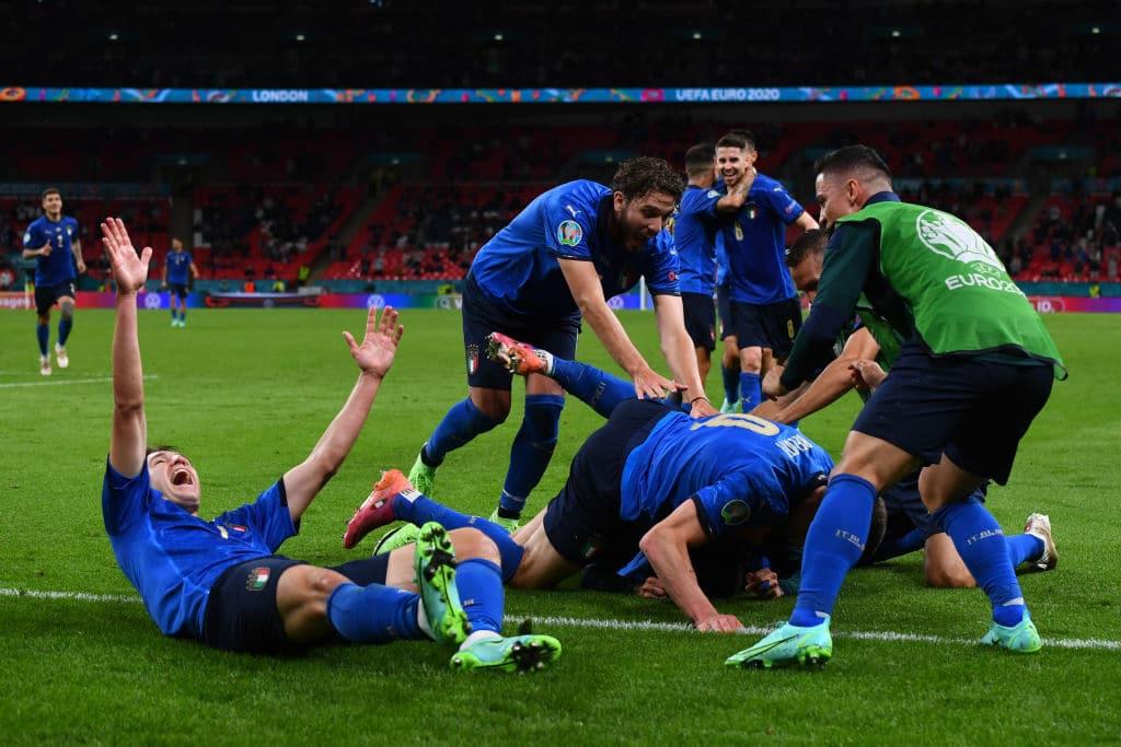 إيطاليا تواصل قطار انتصاراتها وتتأهل بصعوبة على حساب بلجيكا في اليورو (فيديو)