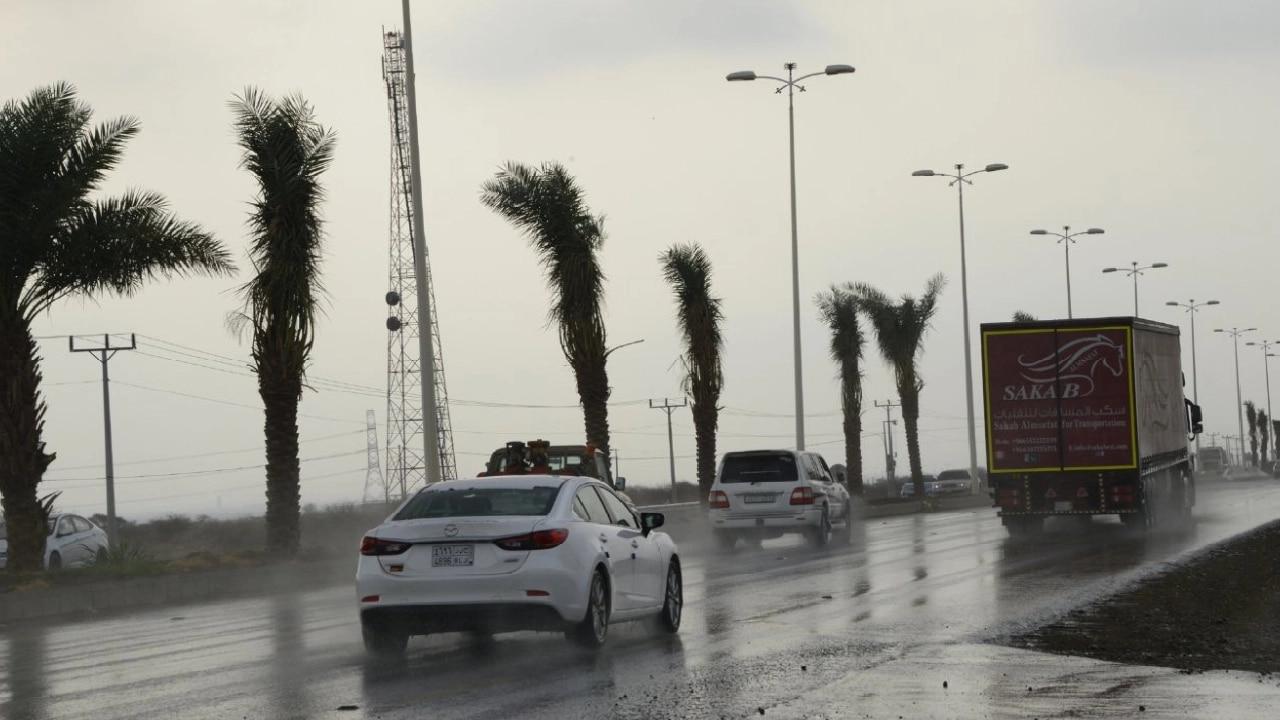 الأرصاد العمانية تكشف تفاصيل الحالة الجوية