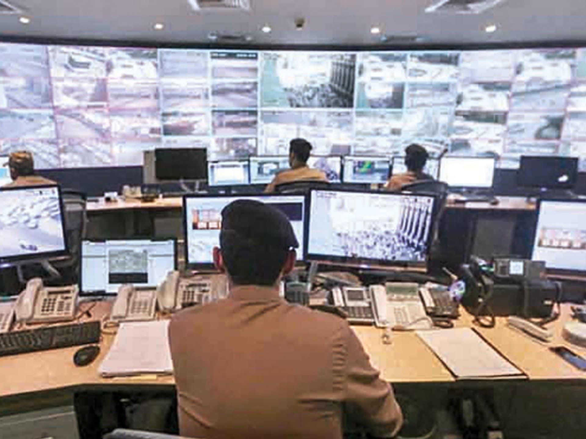 سعودي يكتشف كاميرا مراقبة في غرفته بأحد فنادق دبي