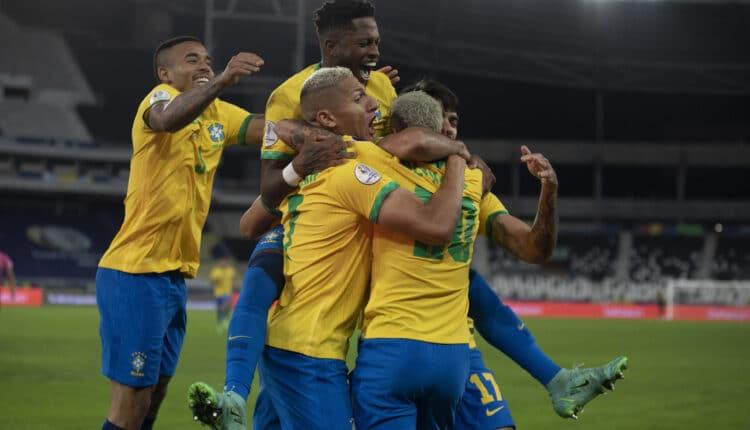 مباراة منتخب البرازيل وتشيلي في بطولة كوبا أمريكا