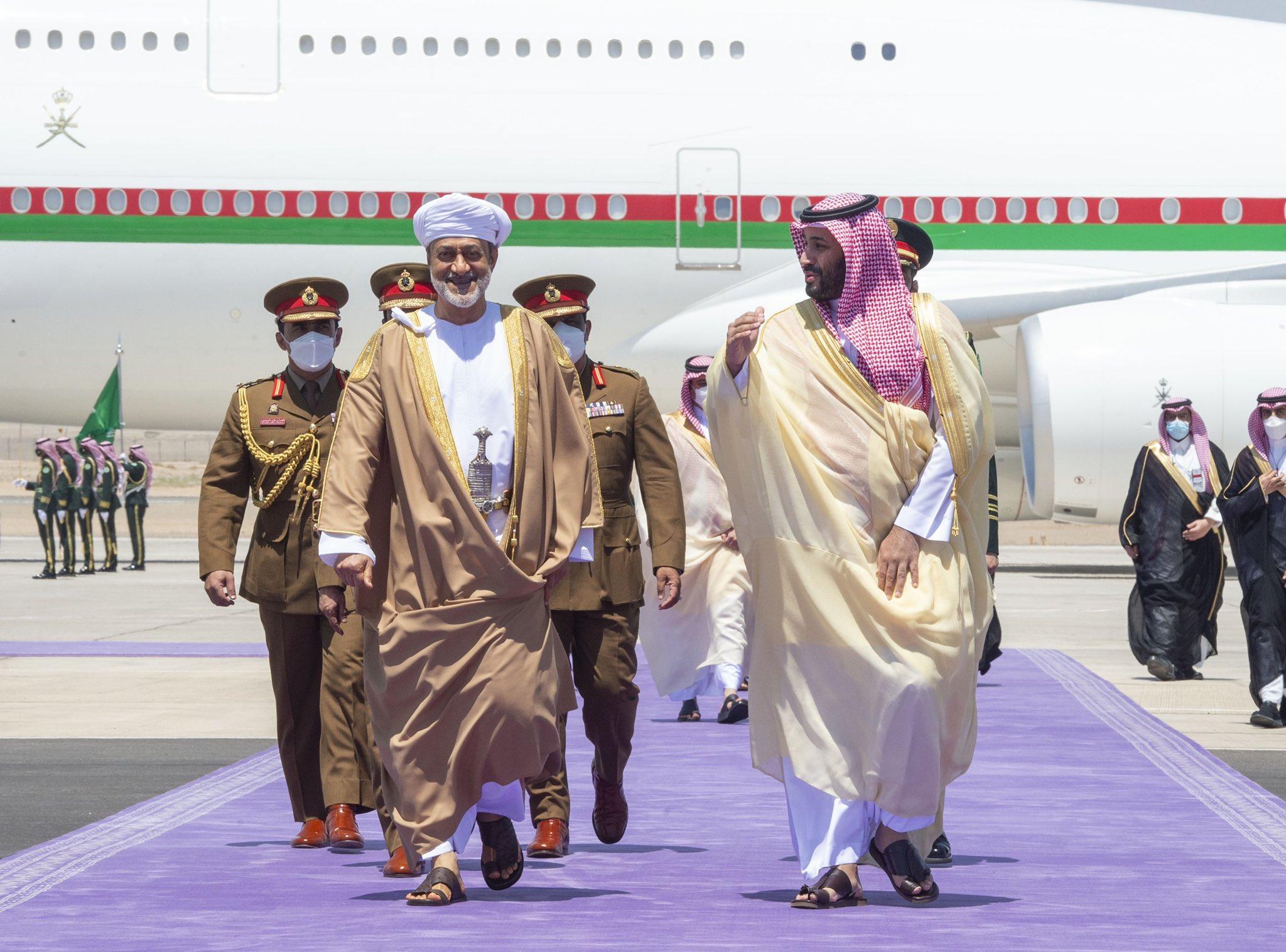 العلاقات العمانية السعودية تتجه إلى مستويات جديدة بعد الزيارة التاريخية للسلطان هيثم بن طارق الى المملكة